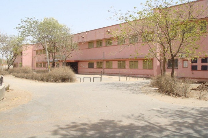 https://cache.careers360.mobi/media/colleges/social-media/media-gallery/13461/2019/4/3/Campus view of Manikya Lal Verma Government College Bhilwara_Campus-View.JPG