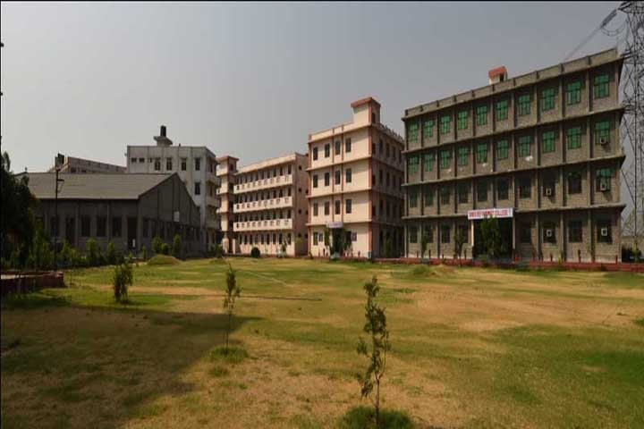 https://cache.careers360.mobi/media/colleges/social-media/media-gallery/13489/2018/12/1/Campus view of Sunder Deep College of Law Ghaziabad_Campus-view.jpg