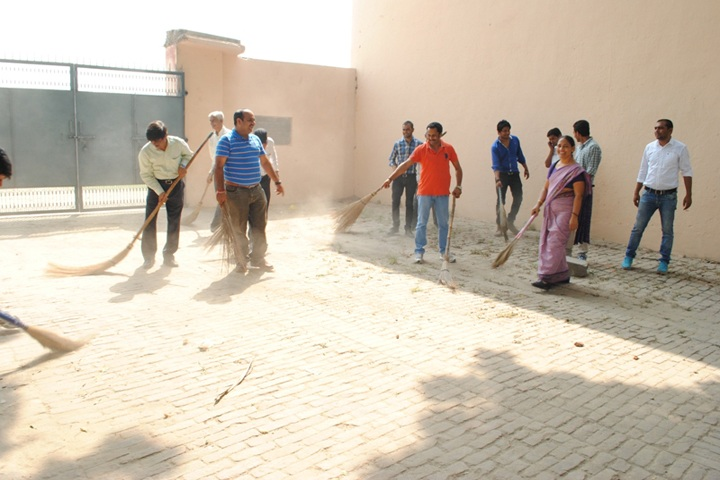 https://cache.careers360.mobi/media/colleges/social-media/media-gallery/13505/2019/4/15/Swacch bharat Abhiyan of DAV PG College Bulandshahr_Others.JPG