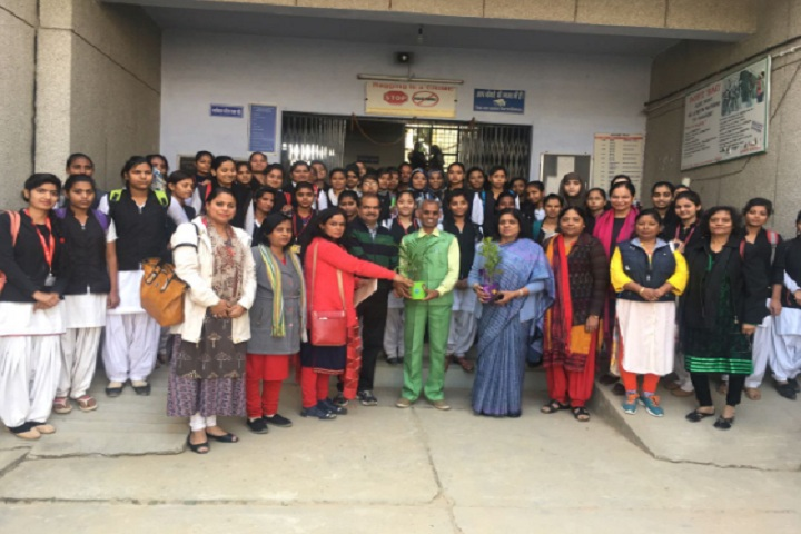 https://cache.careers360.mobi/media/colleges/social-media/media-gallery/13524/2019/12/6/Students of Shaheed Mangal Pandey Government Girls Post Graduate College Meerut_Students.jpg