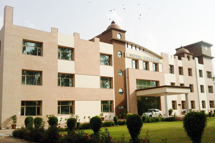 https://cache.careers360.mobi/media/colleges/social-media/media-gallery/13545/2018/11/29/Campus View of Royal Educational Institute Ghaziabad_Campus-View.jpg