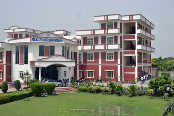 https://cache.careers360.mobi/media/colleges/social-media/media-gallery/13560/2018/11/30/Campus view of DAV College Meerut_Campus-View.jpg
