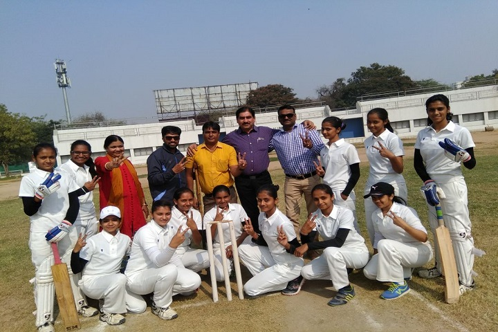 https://cache.careers360.mobi/media/colleges/social-media/media-gallery/13562/2019/2/26/Sports Team of Shri M P and B A Patel Detrojwala Arts and Commerce College for Girls Ahmedabad_Sports.jpg