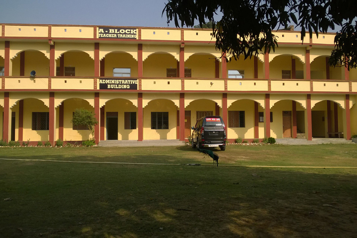 https://cache.careers360.mobi/media/colleges/social-media/media-gallery/13695/2018/9/26/Campus View of Sainik Degree College Allahabad_Campus-View.jpg