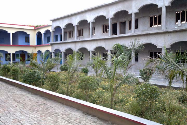 https://cache.careers360.mobi/media/colleges/social-media/media-gallery/13786/2019/1/19/Campus view of Ganga Degree College Allahabad_Campus-view.jpg