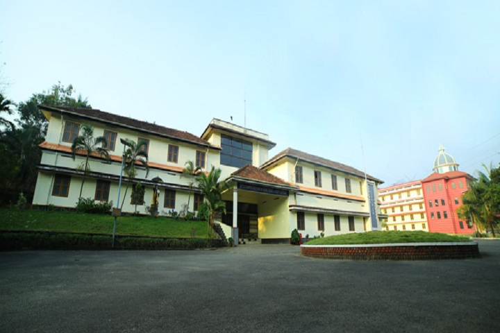 https://cache.careers360.mobi/media/colleges/social-media/media-gallery/13894/2019/5/7/College Building of Little Flower Institute of Social Sciences and Health Kozhikode_Campus-View.jpg