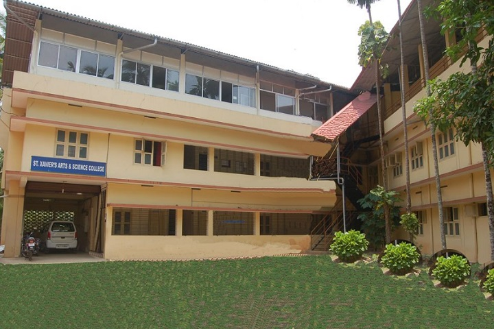 https://cache.careers360.mobi/media/colleges/social-media/media-gallery/13902/2019/5/24/College View of St Xaviers Arts and Science College Kozhikode_Campus-View.jpg