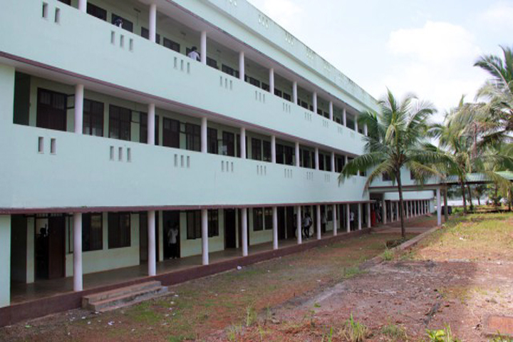 https://cache.careers360.mobi/media/colleges/social-media/media-gallery/13920/2018/12/6/College Building View of GEMS Arts and Science College Ramapuram_Campus-View.jpg