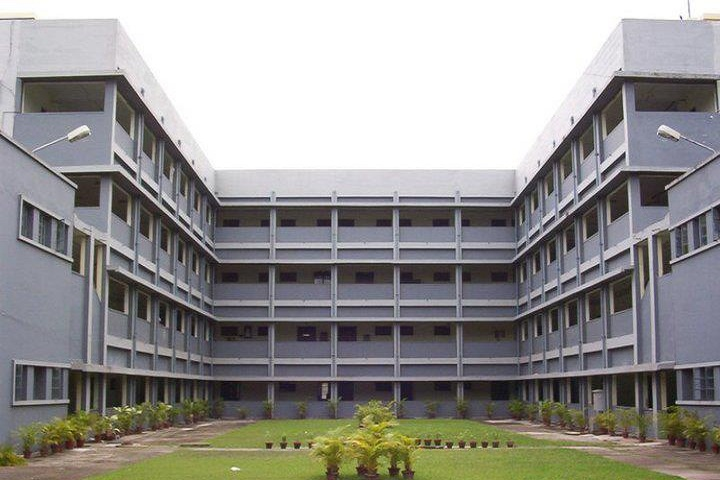 https://cache.careers360.mobi/media/colleges/social-media/media-gallery/1405/2019/7/8/Campus view of Indian Maritime University Kolkata_Campus-View_1.jpg