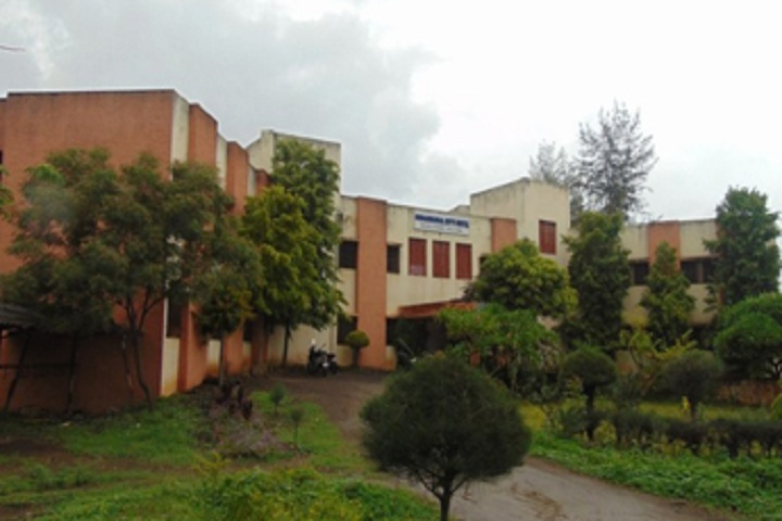 https://cache.careers360.mobi/media/colleges/social-media/media-gallery/14072/2020/5/22/Campus View of Krantisinh Nana Patil College of Verterinary Science Satara_Campus-View.jpg