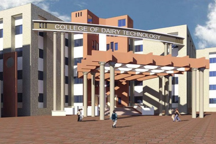 https://cache.careers360.mobi/media/colleges/social-media/media-gallery/14074/2019/4/15/College View of College of Dairy Technology Udgir_Campus-View.jpg
