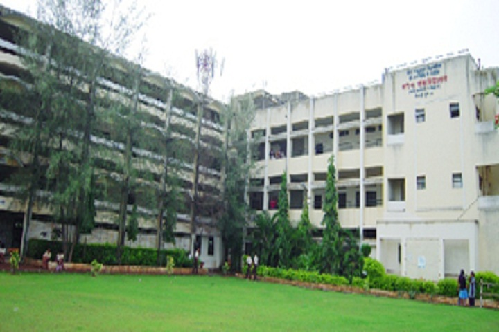 https://cache.careers360.mobi/media/colleges/social-media/media-gallery/14137/2018/9/22/Campus view of Dr Arvind B Telang Senior College of Arts Science and Commerce Pune_Campus-view.jpg