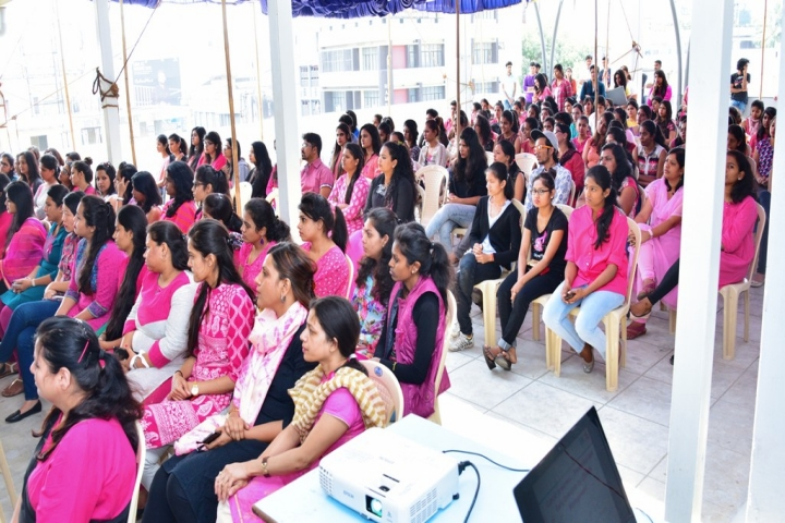 https://cache.careers360.mobi/media/colleges/social-media/media-gallery/1416/2018/12/28/Students Photo  of JD Institute of Fashion Technology Bangalore_Others.jpg