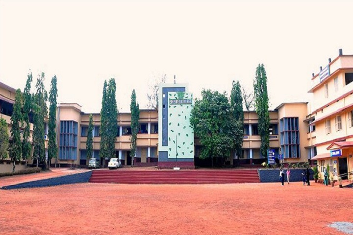 https://cache.careers360.mobi/media/colleges/social-media/media-gallery/14171/2020/1/20/Campus view of Sir Syed College Thaliparamba_Campus-view.jpg