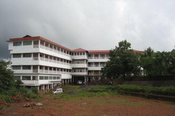 https://cache.careers360.mobi/media/colleges/social-media/media-gallery/14185/2021/2/15/Campus View of Chinmaya Arts and Science College for Women Kannur_Campus-View.jpg