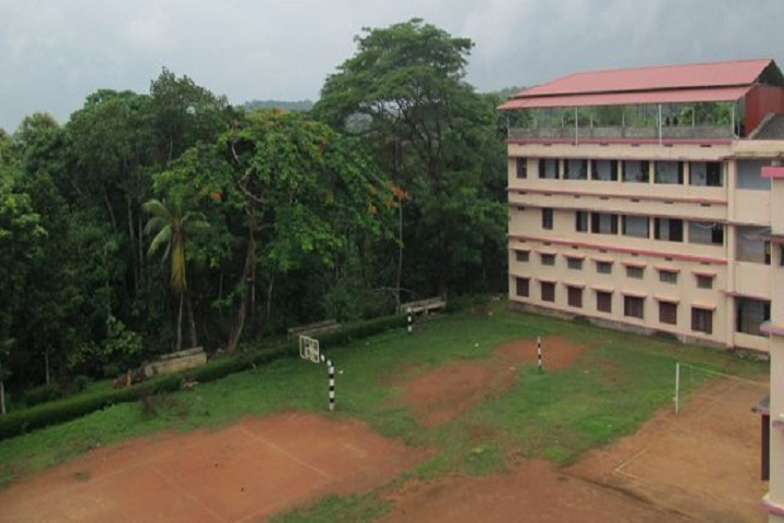 https://cache.careers360.mobi/media/colleges/social-media/media-gallery/14215/2019/1/4/College Ground of St Stephens College Kottayam_Campus-View.JPG