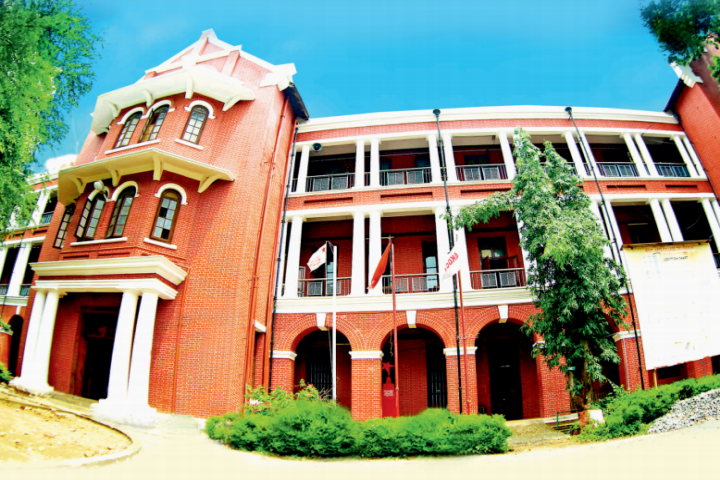 https://cache.careers360.mobi/media/colleges/social-media/media-gallery/14225/2019/2/21/College Building of  Government Arts College Thiruvananthapuram_Campus-View.png