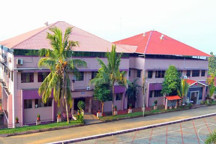 https://cache.careers360.mobi/media/colleges/social-media/media-gallery/14263/2018/12/14/Campus View of Baselios Poulose II Catholicos College Ernakulam_Campus-View.jpg