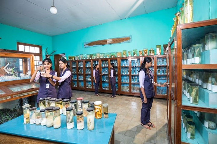 https://cache.careers360.mobi/media/colleges/social-media/media-gallery/14280/2018/12/20/Zoology lab of St Josephs College for Women Alappuzha_Laboratory.JPG