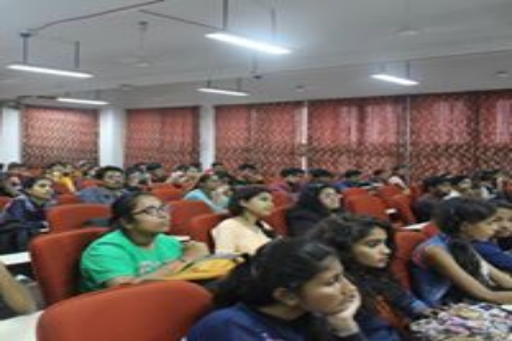 https://cache.careers360.mobi/media/colleges/social-media/media-gallery/14309/2018/9/18/Classroom of KJ Somaiya College Of Science and Commerce Mumbai_Classroom.jpg