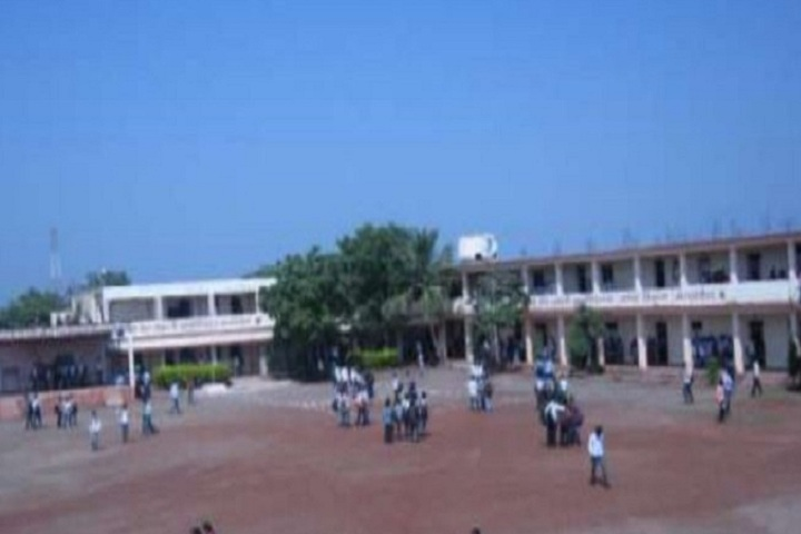 https://cache.careers360.mobi/media/colleges/social-media/media-gallery/14366/2018/11/21/Campus View Of Shri Sant Damaji Mahavidyalaya Solapur_Campus View.JPG