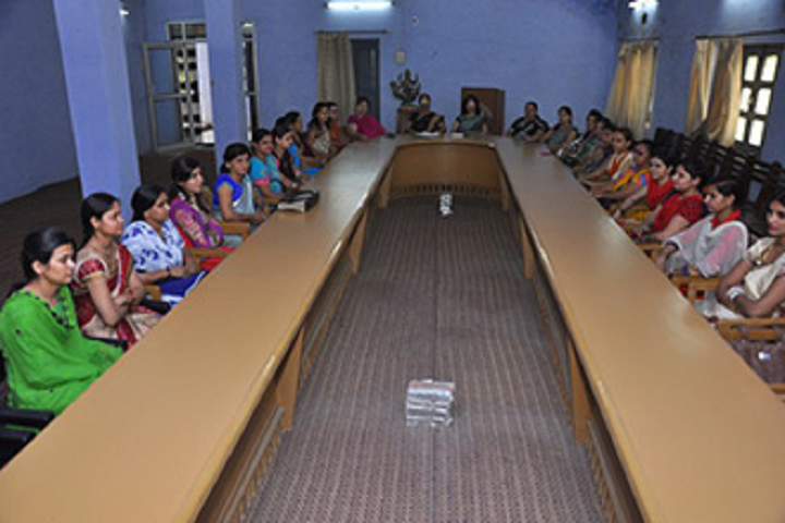 https://cache.careers360.mobi/media/colleges/social-media/media-gallery/14432/2020/2/29/Seminar Hall of Apeejay Saraswati PG College for Girls Bhiwani_Others.png