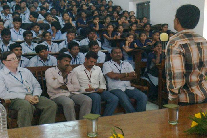 https://cache.careers360.mobi/media/colleges/social-media/media-gallery/1451/2016/9/1/Maharajahs-college(Autonomous)Vizianagaram-(13).jpg