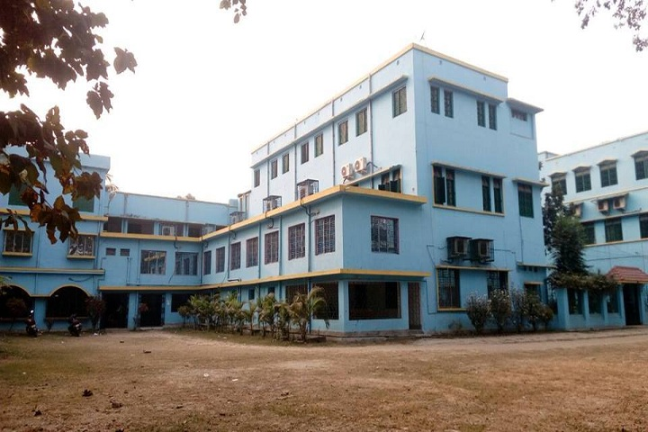 https://cache.careers360.mobi/media/colleges/social-media/media-gallery/14516/2021/2/4/Campus View of Berhampore College Murshidabad_Campus-View.jpg