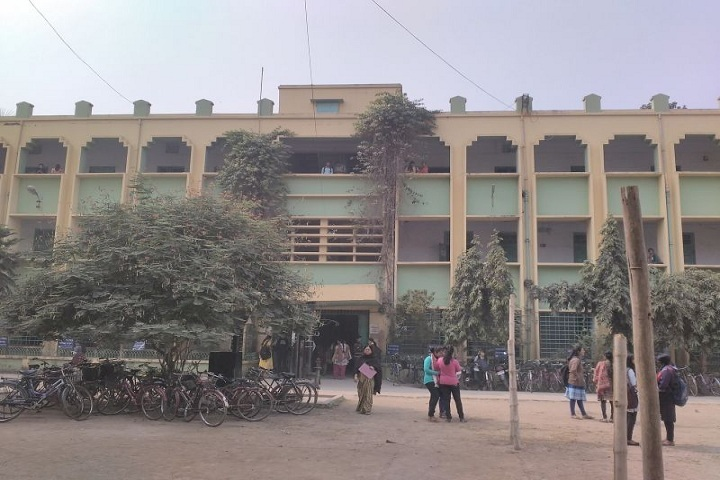 https://cache.careers360.mobi/media/colleges/social-media/media-gallery/14522/2018/9/25/Campus View of Dwijendralal College Nadia_Campus-view.jpg