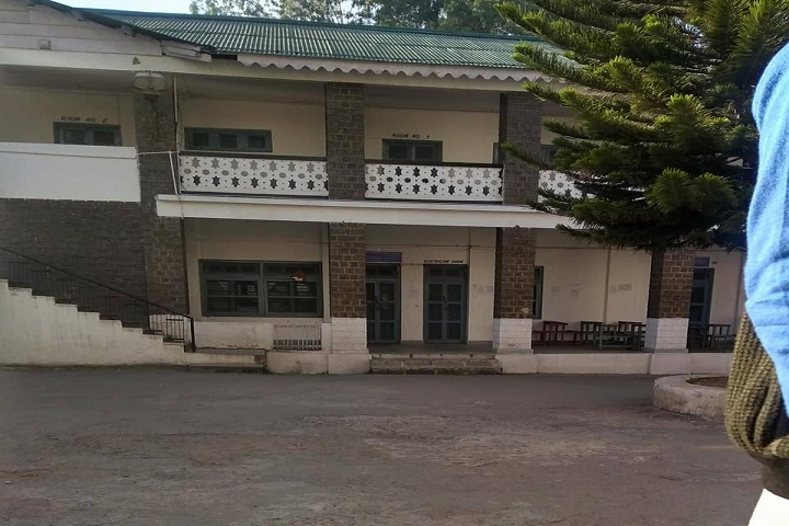 https://cache.careers360.mobi/media/colleges/social-media/media-gallery/14542/2019/3/5/Campus view of Government Degree College Poonch_Campus-View.jpg