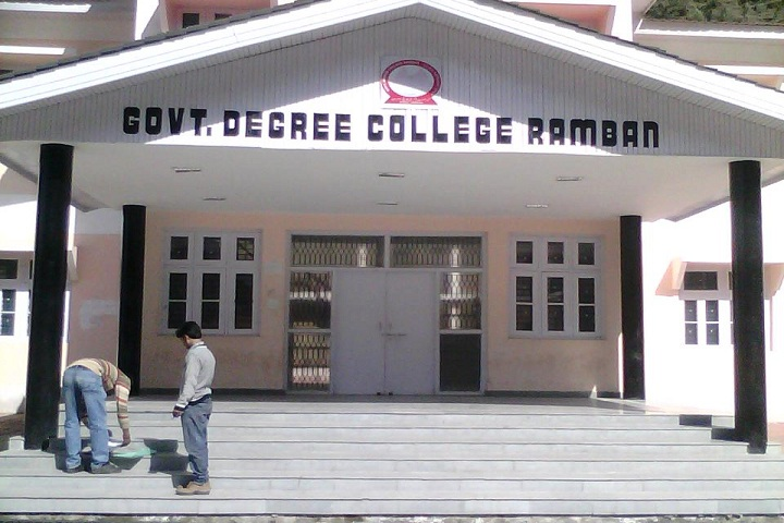 https://cache.careers360.mobi/media/colleges/social-media/media-gallery/14557/2018/10/15/College front View of Government Degree College Ramban_Campus-View.jpg