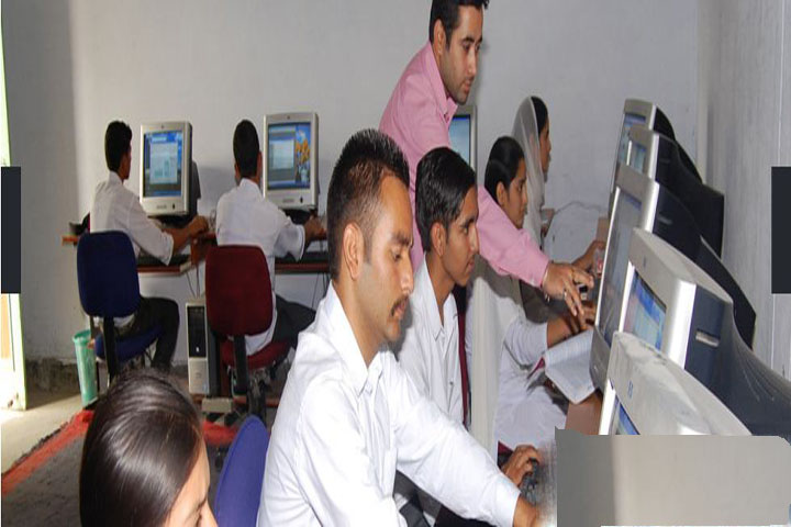 https://cache.careers360.mobi/media/colleges/social-media/media-gallery/14562/2019/1/18/IT Lab of Government Degree College Nowshera_IT-Lab.JPG