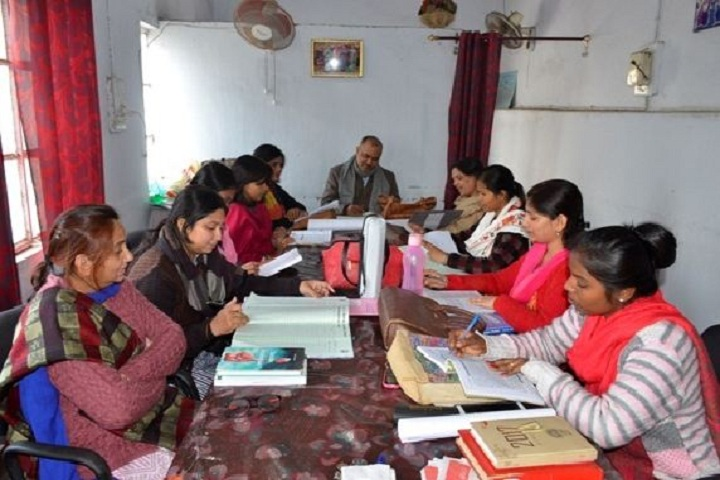 https://cache.careers360.mobi/media/colleges/social-media/media-gallery/14600/2018/12/24/Staff room of SSLNT Mahila Mahavidyalaya Dhanbad_Others.JPG