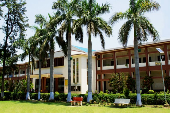 https://cache.careers360.mobi/media/colleges/social-media/media-gallery/14696/2018/9/11/Campus View of  AS College Khanna_Campus-view.jpg