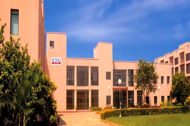 https://cache.careers360.mobi/media/colleges/social-media/media-gallery/14734/2018/9/13/Campus view of ICFAI Law School Hyderabad_Campus-view.jpg