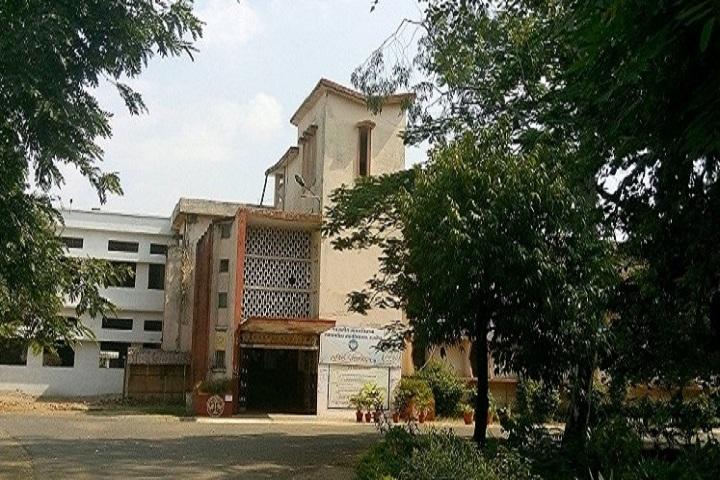 https://cache.careers360.mobi/media/colleges/social-media/media-gallery/14798/2018/12/12/Campus view of  Government Madhav Science PG College Ujjain_Campus-view.jpg