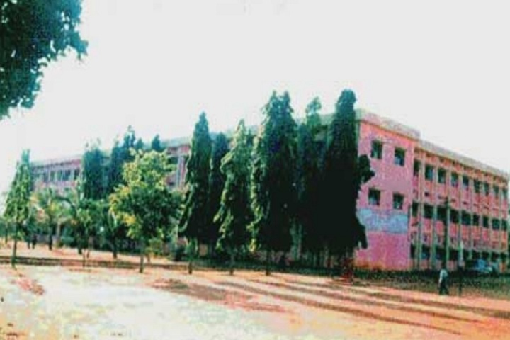 https://cache.careers360.mobi/media/colleges/social-media/media-gallery/14933/2020/1/23/Campus view of M Basavaiah Residential College Chitradurga_Campus-view.jpg