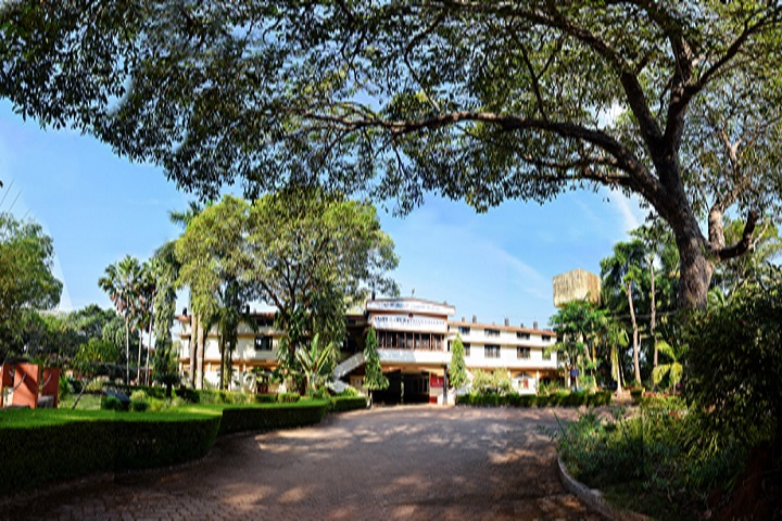 https://cache.careers360.mobi/media/colleges/social-media/media-gallery/14936/2018/12/5/Campus view of Saint Marys Syrian College Udupi_Campus-view.jpg