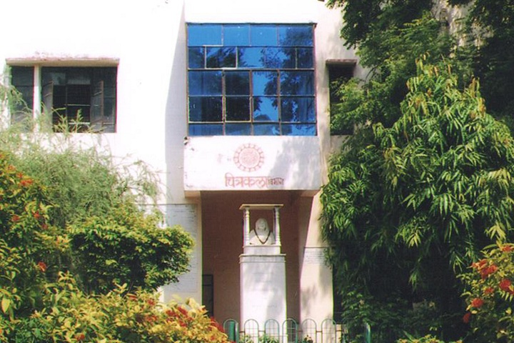 https://cache.careers360.mobi/media/colleges/social-media/media-gallery/15008/2020/1/25/Campus of Baikunthi Devi Kanya Mahavidyalaya Agra_Campus-View.jpg