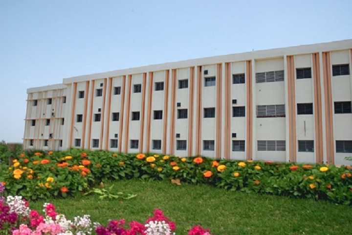 https://cache.careers360.mobi/media/colleges/social-media/media-gallery/15236/2021/3/16/Building View of RB Degree college Bareilly_Campus-View.jpg