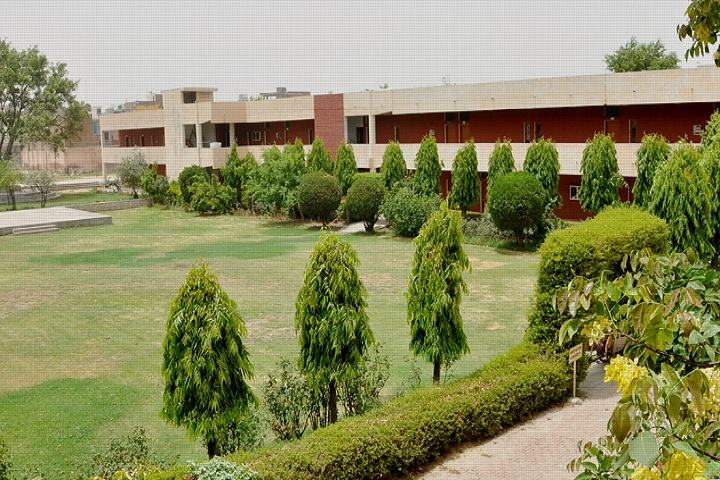 https://cache.careers360.mobi/media/colleges/social-media/media-gallery/15250/2020/1/11/Campus view of Hindu Kanya Mahavidyalya Jind_Campus-View.jpg