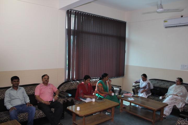 https://cache.careers360.mobi/media/colleges/social-media/media-gallery/15255/2016/8/23/GuruNanakKhalsaCollege-Yamuna-Nagar12.jpg