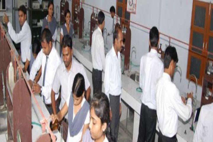 https://cache.careers360.mobi/media/colleges/social-media/media-gallery/1526/2016/12/17/Oyster-College-of-Nursing-Aurangabad-124.jpg