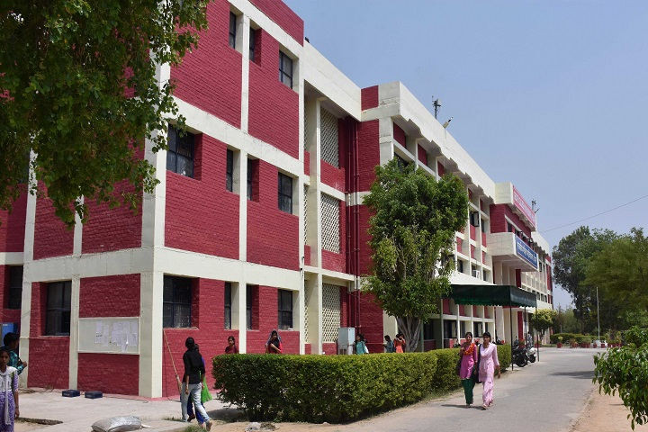 https://cache.careers360.mobi/media/colleges/social-media/media-gallery/15264/2019/7/24/College View of Government College For Girls Hisar_Campus-View.jpg