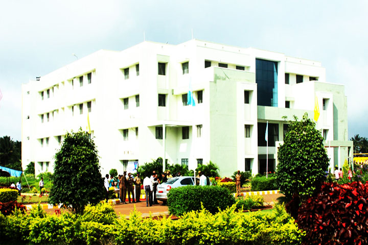 https://cache.careers360.mobi/media/colleges/social-media/media-gallery/15408/2018/12/12/Campus View of AJK College of Arts and Science Coimbatore_Campus-View.jpg