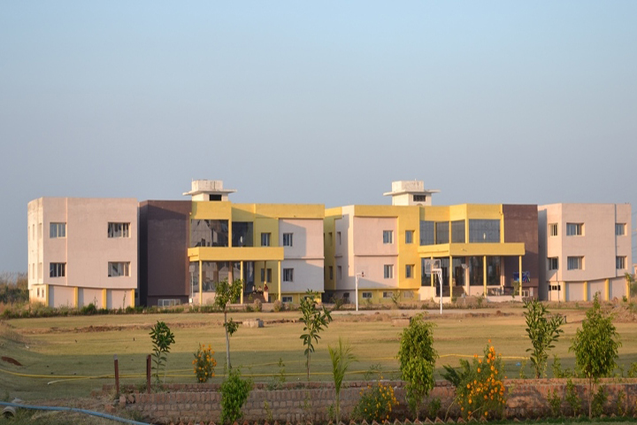 https://cache.careers360.mobi/media/colleges/social-media/media-gallery/15443/2018/12/14/Campus View of Vikrant Institute of Integrated Learning and Advance Studies Gwalior_Campus-View.JPG