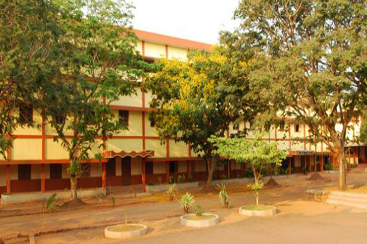 https://cache.careers360.mobi/media/colleges/social-media/media-gallery/15596/2018/12/19/Campus View of Govinda Dasa College Surathkal_Campus-View.JPG