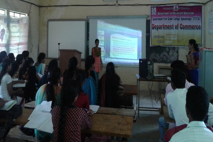 https://cache.careers360.mobi/media/colleges/social-media/media-gallery/15684/2019/1/4/Students Seminar of Government First Grade College Sakaleshpur_Others.jpg