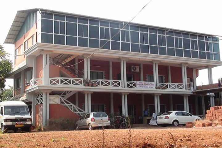 https://cache.careers360.mobi/media/colleges/social-media/media-gallery/1580/2018/12/13/Campus view of Indian Institute of Handloom Technology Kannur_Campus-View.jpeg
