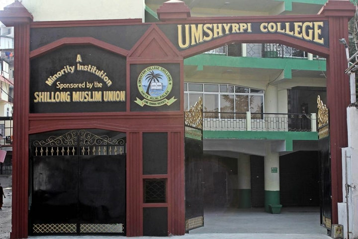 https://cache.careers360.mobi/media/colleges/social-media/media-gallery/15802/2019/2/21/College Building of Umshyrpi College Shillong_Campus-View.jpg